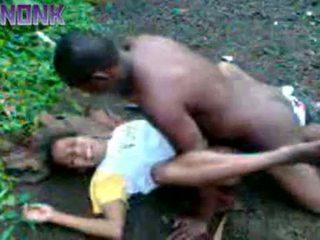 Uzbudinātas melnas pāris jāšanās ārā privāti video