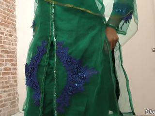 Exotiska arab baben nadia ali körd av svart i porr butik