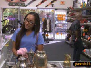 Desperate дівчина sells teapot і трахкав в the закулісся