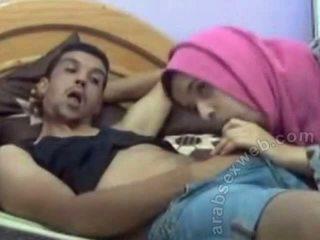 Arabisk bj i hijab på webcam-asw1077