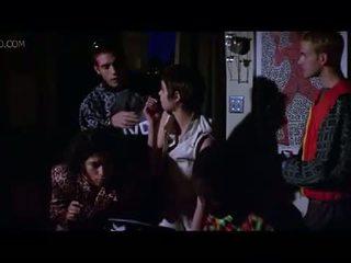 Célébrité angelina jolie côté nichon et sexe scène