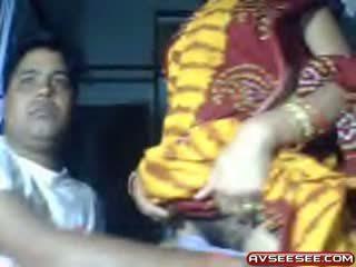 Tim indiane e dashura loves në shfaqje të saj pidh