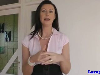Британка матуся spanked і fingered по підліток