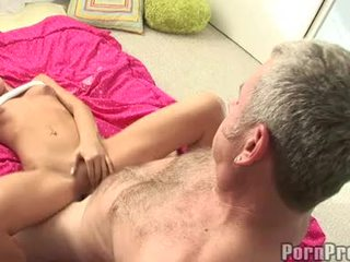 Lusty pequeno boobed tanner mayes getting dela bawdy cleft cracked por um monstro jock