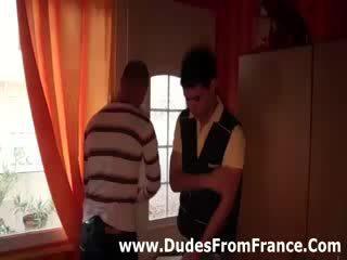 Homosexual frances dudes întâlni și suge pula