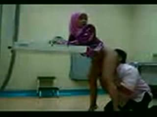 Arab Hijab Fucked At Her Gynecologist ...