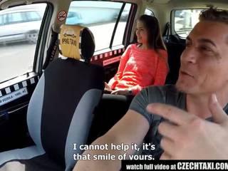 Cutest tenåring gets en gratis taxi ride