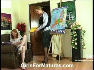 Madge irene मोम में लेज़्बीयन कार्रवाई