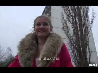 Lilia rafael pakliuvom į viešumas už pinigai