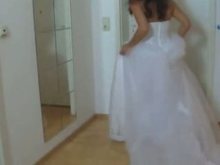 Prawan in her wedding sugih fucked hard 1