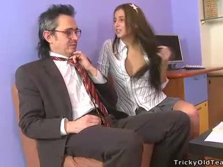 Torride et sauvage table sexe