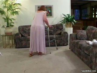 isoäidit, erääntyy, vanha + young