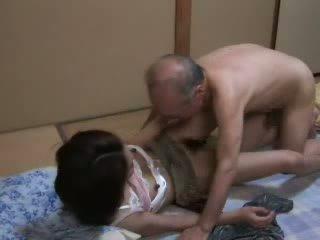 Ιαπωνικό γιαγιά ravishing έφηβος/η neighbors κόρη βίντεο