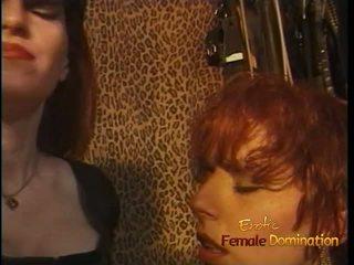 Luscious punapää tart enjoys being spanked kova sisään the