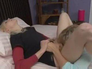 vergiye tabi kedi yalama yeni, sıcak yatak odası ücretsiz, lezbiyen tüm