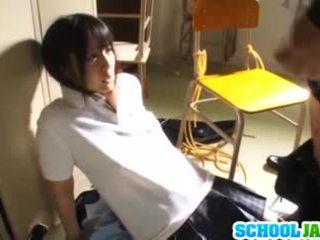 Lustful japonské školáčka ruka