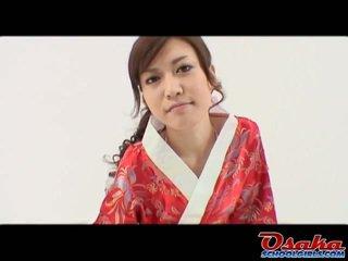 Eri on the värske geisha et learns kuidas kuni kiss banaan ja does see nagu a expert