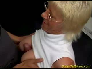 Old hottie enjoys jatty sik