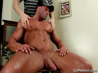 Beefed Hunk Gets His Valuable Rod Sucked 4 By Gotmasked