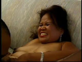 Quente gordinhos maduros asiática sarah works um dildo e gets plowed