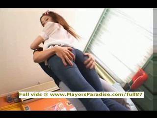 Asami ogawa innocent trung quốc cô gái shows off cô ấy chắc chắn ass