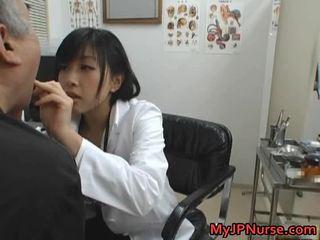 Japonesa médico é hooters para pepino