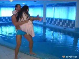 Scopata da il piscina