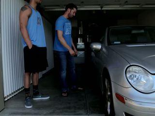 Mechanic shows nuo jo skills į 2 bros kas gauti wrenched