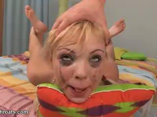 I vështirë qirje të saj throat video