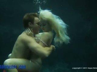 Whitney taylor - 수중 섹스