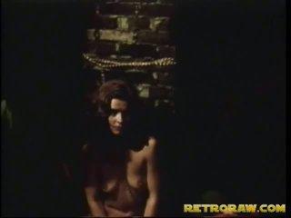 μελαχροινή, hardcore sex, σκληρό σκατά