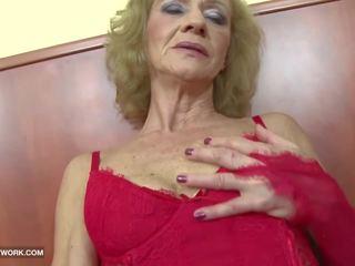 Tarprasinis porno - senelė likes tai šiurkštus gets analinis.