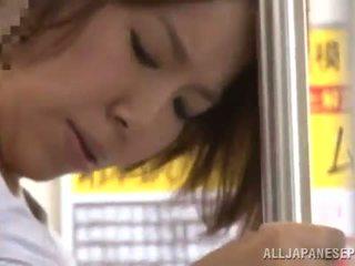 Miku hasegawa has got laid от backside в а публичен автобус