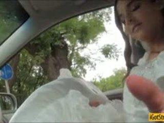 Runaway כלה amirah adara pounded עם stranger ב a מכונית