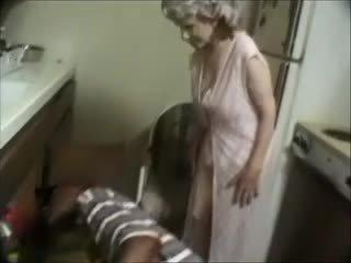 Můj babička s a černý dude