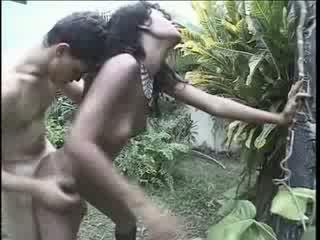 Brazil cô gái raped trên cô ấy cách quê hương video