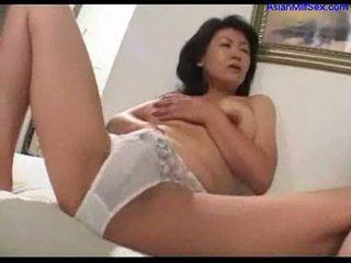 Milf masturbeerimine edasi the voodi onaneerimine ära noor guy riist sperma