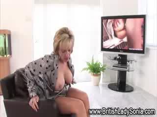Mature fetish brit chick