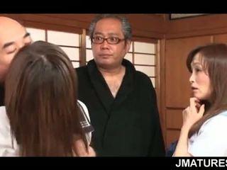 जापानी, समूह सेक्स, नानी