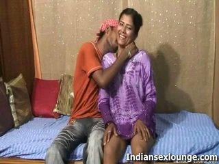 Raj 가까운 로 roopa