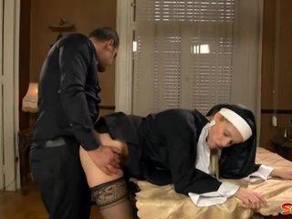 いたずらな 修道女