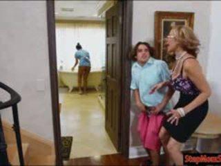Seksi pembantu abby lee brazil seks bertiga dengan besar pelayan seksi ibu tiri