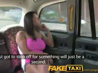 Faketaxi seksowne amerykańskie falls na stary taxi sztuczka