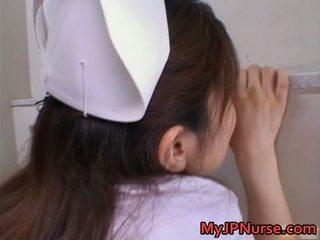 Чукане секси азиатки момиче gets тя горещ