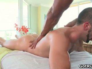 Muscular bald hunk masaj dude apoi