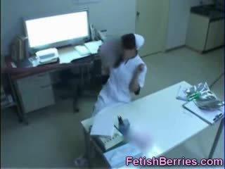 触手 颜射 为 一 护士!