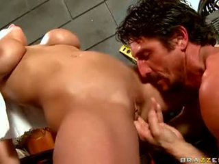 Alanah Rae Got Fingered Hard By Lusty Fellow