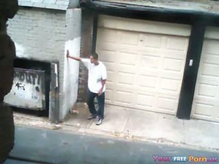他媽的 一 妓女 在 an alley