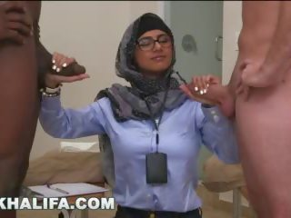 Arab mia khalifa compares великий чорна пеніс для біла статевий член