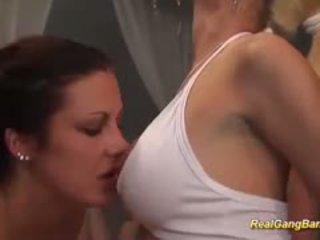 Houpá strana s horký holky